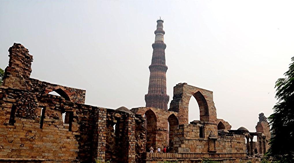 42 Qtub Minar