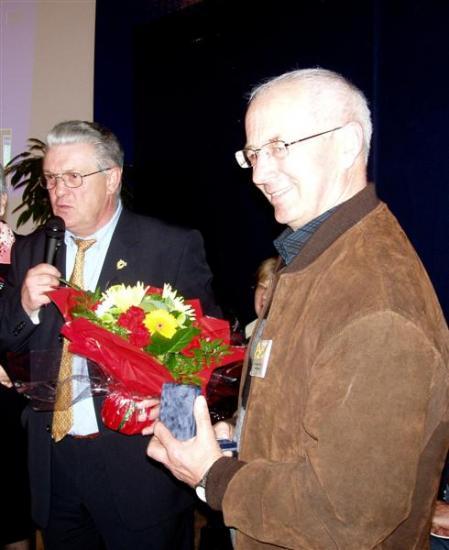A G  2009
