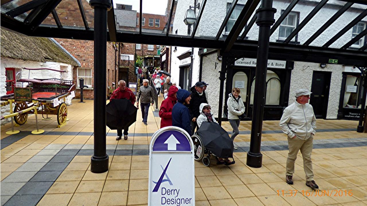 P1010123 DerryCraft Village