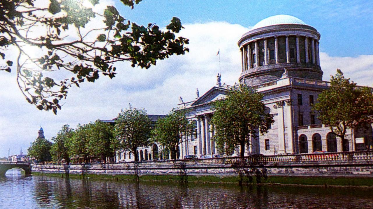 P1020015 Dublin -Palais de Justice