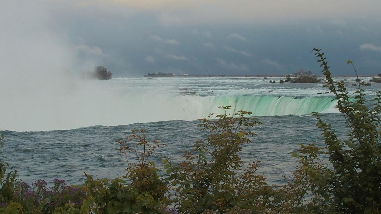 R Niagara 1