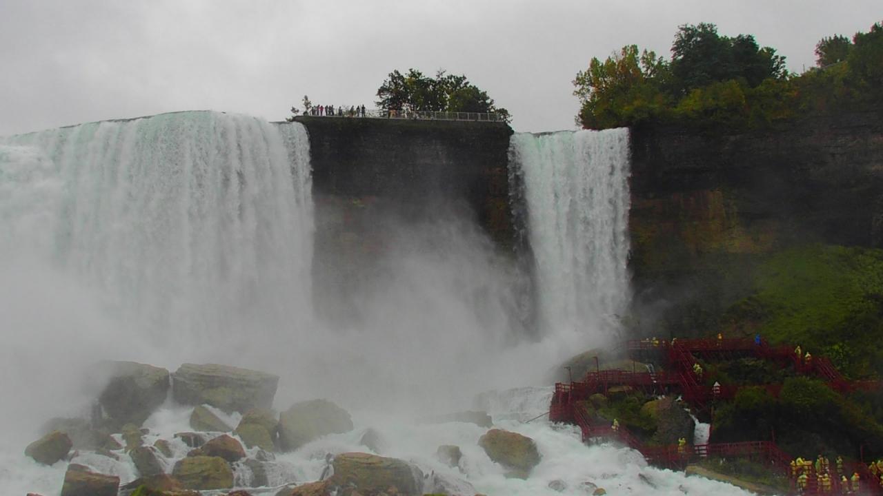 R Niagara 12